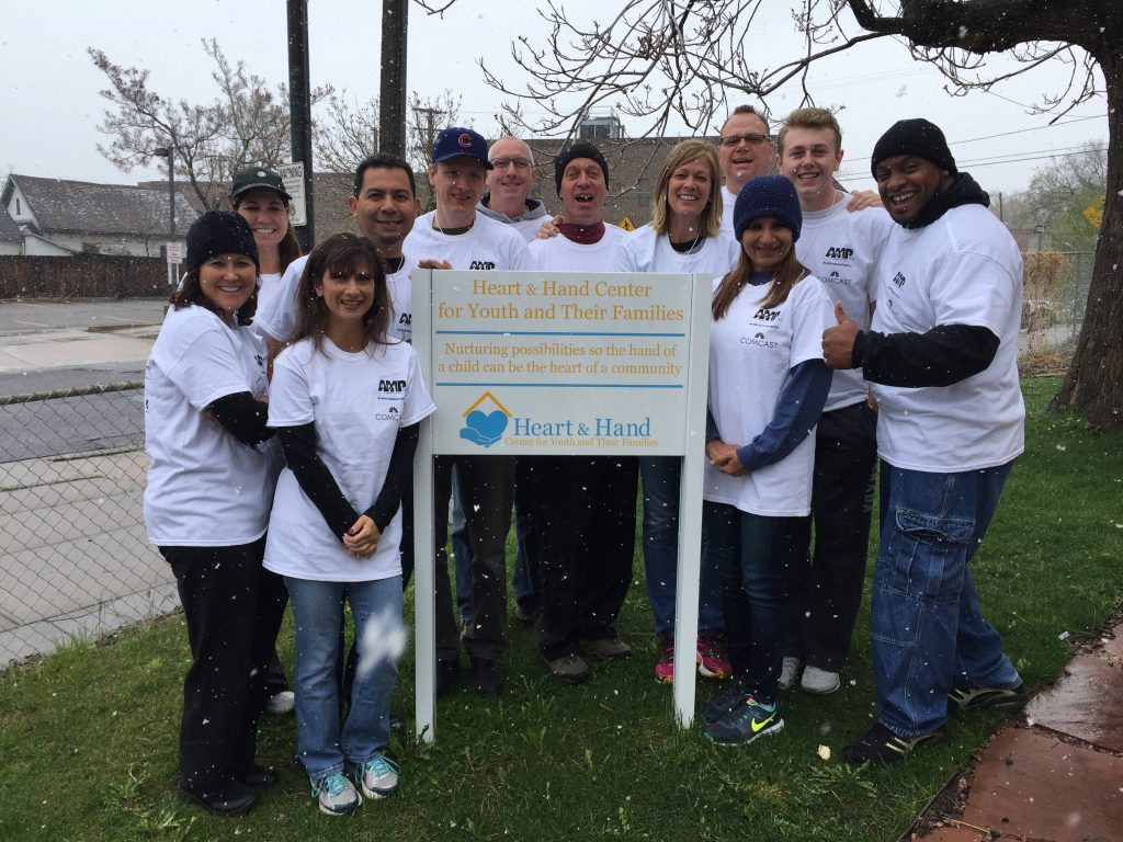 social_hearts-and-hands-volunteering