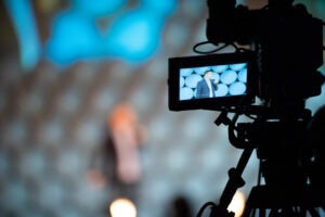 recording and streaming event presentation content for the virtual audience at a hybrid meeting